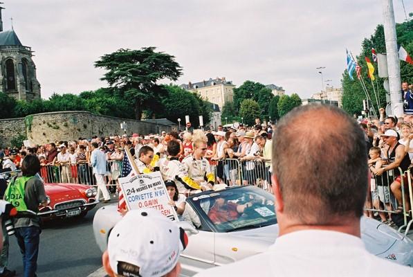 parade2004-5