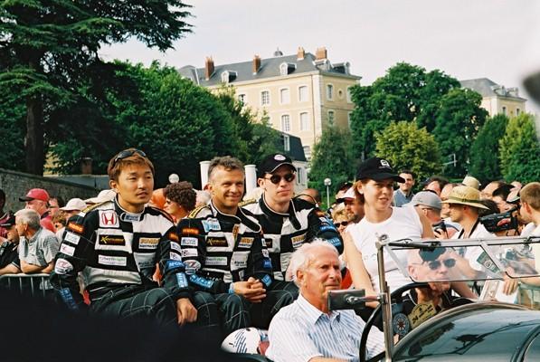 parade2004-9